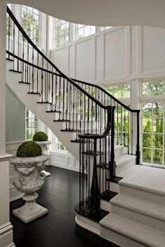 Love the dark and light contrast of this staircase