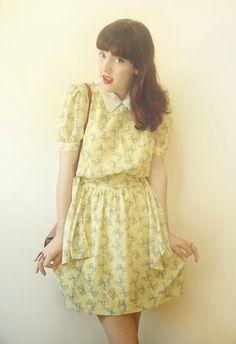 Vestido/ Dress :  Brechó de roupas do Japão/ Second hand from Japan   Bolsa/ Bag :  Marisa   Sandália/ Sandals :  Farm   An...