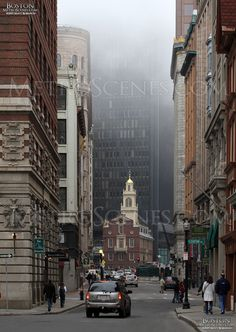Downtown Boston looking up State Street.sub shop on the right Lexington Massachusetts, America City, Living In Boston, Downtown Boston, Road Trip Usa, Best Cities, New Hampshire, Rhode Island, Travel Usa