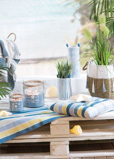 Inspiration, Table Decorations, Wave, Furniture, Beach, Home Decor, Living Room, Ad Home, Deco
