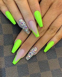 Neon Green Nails, Bright Summer Acrylic Nails, Neon Nails, Best Acrylic Nails, Swag Nails, 3d Nails, Summer Nails Neon, Acrylic Nails Green, Bright Nails Neon