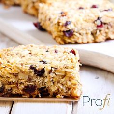 Not only are these cranberry-cherry squares delicious, but they also require minimal time to prepare & no baking! Perfect for when you're on the go or when it's too hot to turn on the oven! [Link in our bio]  #healthy #eatclean #liveclean #vegan #veganfood #veganfoodshare #veganrecipe #vegansofig #foodstagram #foodie #yummy #nutrition #plantbased #plantbuilt #plantpowered Vegan Recipes from BEAUT.e See more recipes >>