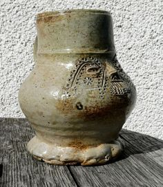 Kleiner Gesichts-Krug Steinzeug Raeren 16. Jahrhundert | eBay Medieval, Face Jugs, Antique Pottery, Renaissance, Stoneware, Glass Art, Clay, Vase, Mugs