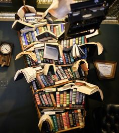 The Last Bookstore + 25 Free Things to Do in Los Angeles // Local Adventurer Laos, San Diego, San Francisco, Abbot Kinney Blvd, The Last Bookstore, Nyc, City Of Angels, Free Things To Do, California Travel