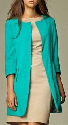 Emerald coat, free patterns to download - En russe mais gérable avec Google translate.