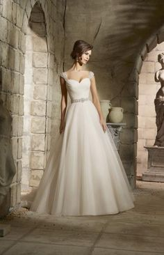 Cheap a line wedding dress, Buy Quality vintage wedding dress directly from China fashion wedding dress Suppliers: Hot Sale Sweet angel Bridal Gown Tulle Sexy A Line Wedding Dress Fashion Casamento 2016 Vestido De Noiva Vintage Wedding Dress Princess Bridal, Princess Wedding Dresses, Bridal Wedding Dresses, Dream Wedding Dresses, Tulle Wedding, Mori Lee Wedding Dress, Big Bust Wedding Dress, Wedding Dress Straps, Flattering Wedding Dress