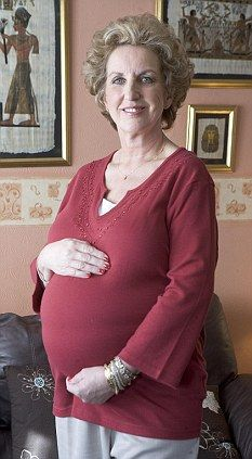 Sue became pregnant after her third attempt at IVF. She felt fit and vigorous then Pregnant At 40, Getting Pregnant, Pregnancy Images, Pregnancy Tips, Ivf Treatment, Old Person, Get Skinny, Old Mother, Ladies Of London