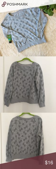 Forever 21 Owl Print Sweatshirt Well worn and super cute but no flaws! There are no tags on this but it was purchased from Forever 21. One size, however it would fit a medium or large best. Forever 21 Tops Sweatshirts & Hoodies