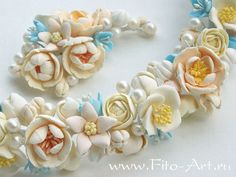 Russian artist who makes amazingly lifelike polymer clay flowers.