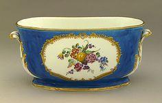 Flower Vase, 1754-1755  Ceramic, Soft-paste porcelain with enamel, gilding, and glaze, Vincennes Porcelain (France, circa 1739 - 1756)