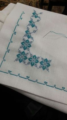 "Serpil Özcan ""Nice embroidery stitch towel with pattern schema."", ""Discover thousands of images about Jana Janíčková"" Cross Stitch Love, Cross Stitch Borders, Cross Stitch Flowers, Cross Stitch Charts, Cross Stitch Designs, Cross Stitching, Cross Stitch Patterns, Hardanger Embroidery, Cross Stitch Embroidery"