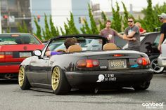 For some reason I dig these old school ratty Miata's...