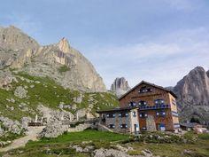 """""""Rifugio Roda de Vael""""  Dolomites - Trentino - http://www.visittrentino.it/it/cosa_fare/sport/dettagli/dett/catinaccio-via-attrezzata-masare-roda-de-vael"""