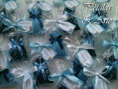 Mini Sache Perfumado Sonho Azul  Confeccionado como lembrancinha de maternidade.