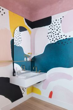 Southern Home Interior Colorful minimal bathroom inspiration! Art Mural, Wall Murals, Wall Art, Mural Painting, Paintings, 3d Design, House Design, Floor Design, Design Trends