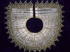 Collar Edged with Bobbin Lace, Italian, 16th Century | WHOA! Italians sure did know how to make a stunning ruff!