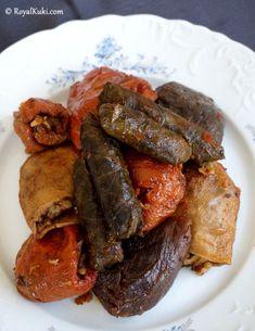 Etli Kuru Dolma Turkish Recipes, Italian Recipes, Ethnic Recipes, Meat Recipes, Vegetarian Recipes, Kurdish Food, Turkish Kitchen, Time To Eat, Fresh Fruits And Vegetables
