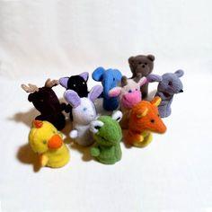 Флисовые пальчиковые зверята такие мягкие 😊🐱🐸 #развивающиеигрушки #изфлиса #пальчиковыйтеатр #мягкиеигрушки #чемзанятьребенкадома #учимсяиграя #подарокдетям #fingerpuppets #puppet #fleecetoys #softtoys