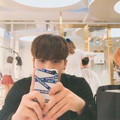 ✿*· pinterest ⇢ seominna Ulzzang Couple, Ulzzang Boy, Asian Boys, Asian Men, Cute Boys, Cute Babies, Korean Beauty, Handsome Boys, Pretty People