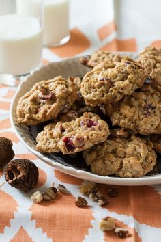 Black Walnut, Cranberry and White Chocolate Cookies - Delicious hot out of the oven and even better the next day, black walnuts work their magic. White Chocolate Cookie Recipes, White Chocolate Chips, Magic Chocolate, Chocolate Butter, Cranberry Orange Cookies, Cranberry Recipes, Cranberry Bread, Walnut Recipes, Ww Recipes