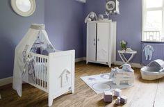 Niebieskie ściany w pokoju dziecka, ELIES