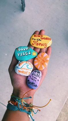 Fun Diy Crafts fun diy crafts to do when bored Diy Crafts To Do, Rock Crafts, Arts And Crafts, Money Making Crafts, Stone Crafts, Easy Crafts, Cool Diy, Summer Vibes, Summer Fun