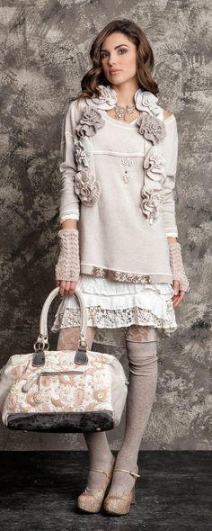 41 Ideas For Embroidery Fashion Inspiration Boho Outfits With Hats, Casual Outfits, Mode Hippie, Hippie Chic, Elisa Cavaletti, Fru Fru, Look Boho, Moda Chic, Embroidery Fashion