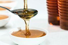 Mason Jar Beekeeping Step-by-Step Guide Diy Beauty, Beauty Skin, Health And Beauty, Beauty Hacks, Beauty Tips Using Honey, How To Reduce Pimples, Eye Infections, Mason Jar Diy, Bee Keeping