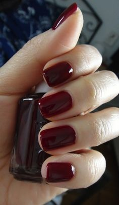 Best Nail Polish Colors of 2019 for a Trendy Manicure Best Nail Polish, Essie Nail Polish, Nail Polish Colors, Nail Polishes, Classy Nails, Cute Nails, Pretty Nails, Popular Nail Colors, Fall Nail Colors