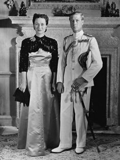 Wallis Simpson and Edward VIII. King Edward lll abdicated the throne of England in order to marry Simpson, a divorced American.