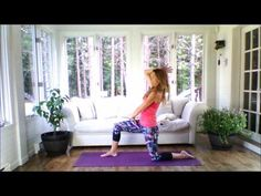 Easy Yoga to integrate into your morning routine to help you start the day in just 15 minutes! Contains 12 Yoga Gym, Yoga Fitness, Fitness Tips, Poses, Indoor Workout, Yoga Session, Ashtanga Yoga, Yoga Tips, Yoga Videos