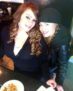 Jenni Rivera y Chiquis.