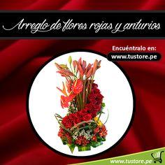 Arreglo de flores rojas y anturios