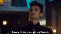 Who else screamed? #Malec #Shadowhunters They're so cute trying to be professional when inside they're like thats my precious cinnamon roll