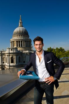 David Gandy shows how to look good mixing jeans and a blazer