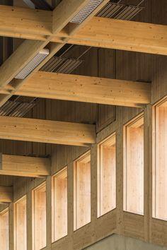 Neudorf sports hall | ATELIER ZÜNDEL CRISTEA; Photo: Sergio GRAZIA | Archinect
