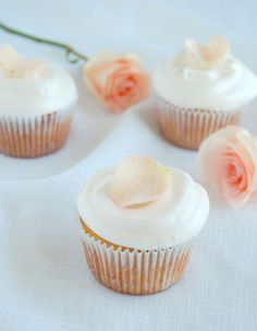 Pretty as a peach. Peach coloured rose cupcakes