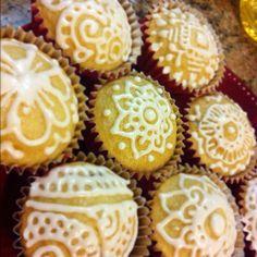 Vanilla Henna Cupcakes