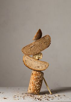 Balanced Gourds and Stacked Loaves Compose Bountiful Still Lifes by ChangKi Chung Levitation Photography, Object Photography, Food Photography Styling, Still Life Photography, Reflection Photography, Photography Tricks, Experimental Photography, Exposure Photography, Water Photography