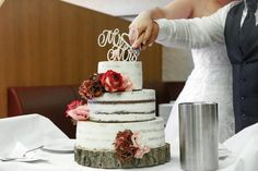 Semi-Naked Hochzeitstorte // Rezept & How-To – BakingLifeStories Naked Wedding Cake Recipe, Cake Recipes, Wedding Cakes, Desserts, Food, Bakken, Cake Ideas, Communion, Tips