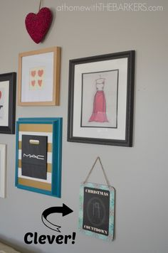 Holiday decorating for teen girls-Christmas countdown sign added to gallery wall. #athomewiththebarkers