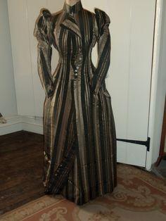 Christmas carol stripped zombi dance coats costum carolina dress 1890s