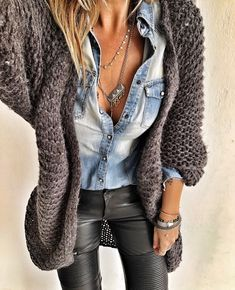 Denim and leather # favecombo # winter # rain # santorini # greece - winter outfits frauen - Modetrends Boho Fashion, Winter Fashion, Fashion Outfits, Womens Fashion, Fashion Trends, Ladies Fashion, Fashion Ideas, Fashion 2018, Fashion Top