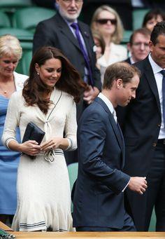Kate mostra mais uma vez que não se importa em repetir um look