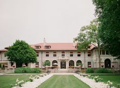 The lovely Armour House in Lake Forest, IL.  Such a perfect wedding venue! www.lauraivanova.com