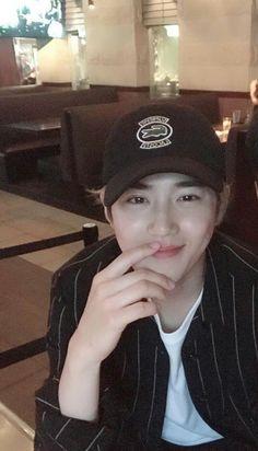 Omg he so handsome Kaisoo, Kyungsoo, Chanyeol, Mamamoo, Otp, Ko Ko Bop, Boyfriend Pictures, Xiuchen, Korean Boy