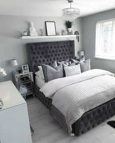 Shelf Decor Bedroom Above Bed Apartment Master Bedroom, Home Bedroom, Master Bedrooms, Double Bedroom, Grey Bedroom Decor, Room Ideas Bedroom, Design Bedroom, Decor Room, Grey Room