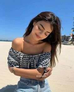 Pin by tychome on Lovely Teens Girl Girl Photography Poses, Tumblr Photography, Beach Photography, Fashion Photography, Lily Maymac, Foto Top, Foto Casual, Instagram Pose, Instagram Summer
