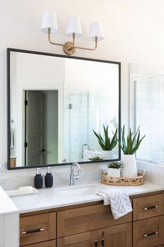 Bathroom countertop is marble-looking quartz. It looks really nice with the Maple cabinets bathroom countertop quartz woodcabinet. Bathroom Counter Decor, Bathroom Renos, Bathroom Renovations, Small Bathroom, Bathroom Staging, Master Bathroom, Bathroom Vanities, Bathroom Ideas, Bathroom Stuff