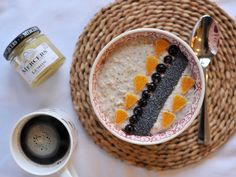 Lemon Curd, Coconut & Chia Overnight Oats – Something Clean Something Green
